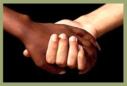 Negro tem risco duas vezes maior de ser assassinado no País do que branco
