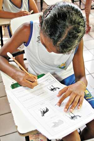 Evasão escolar e falta de mão de obra qualificada ameaçam futuro da juventude