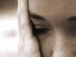 Violência psicológica é a violação mais comum dos direitos dos jovens