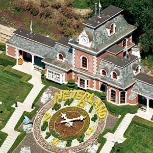 Casa de Michael Jackson pode virar escola de música para jovens