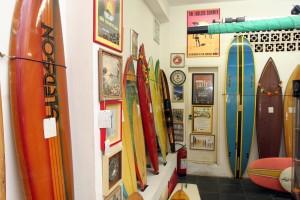 Cabo Frio tem museu que incentiva jovens ao estudo e prepara novos surfistas