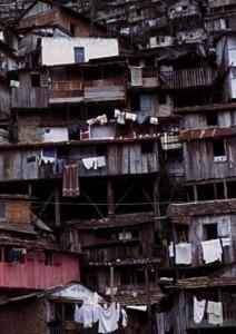 Direito à moradia e déficit habitacional