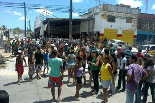 Protesto em Olinda para Denunciar a Interrupção do Protejo – PE