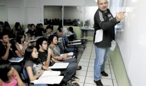 AM: Cetam oferece vagas para cursos gratuitos de idiomas