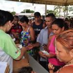 Desabrigados recebem kit de higiene pessoal (Foto: Governo do Estado)