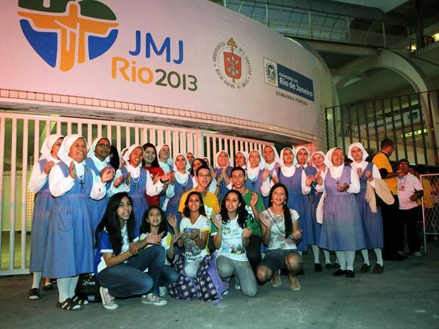 Jovens fazem contagem regressiva para visita do papa ao Brasil