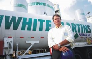 O diretor João Ricardo de Lyra Reis ingressou na White Martins como estagiário (Fonte:Negócios PE)