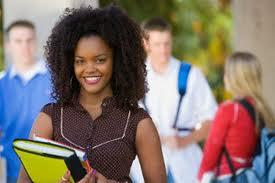 IBGE: acesso de jovens pretos e pardos à universidade triplicou em dez anos