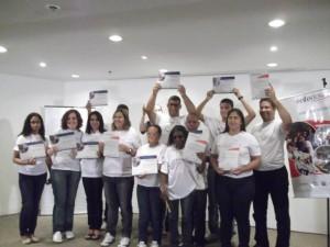 RJ: Instituto Empreender busca educadores sociais e de inglês