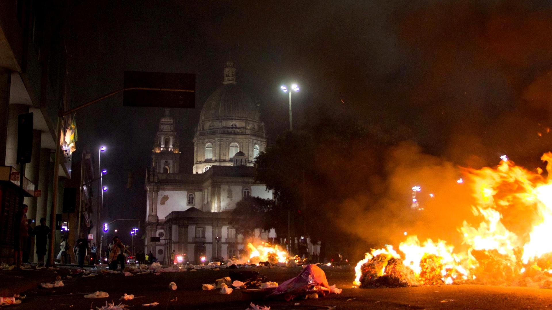 Reflexões sobre a violência policial do dia 20 de junho