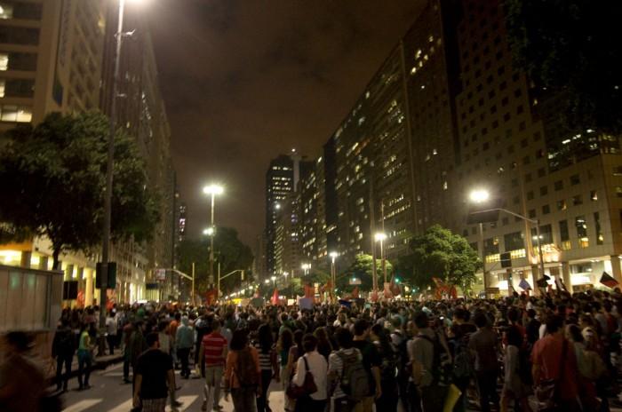 Entenda os protestos que estão rolando em vários pontos do Brasil
