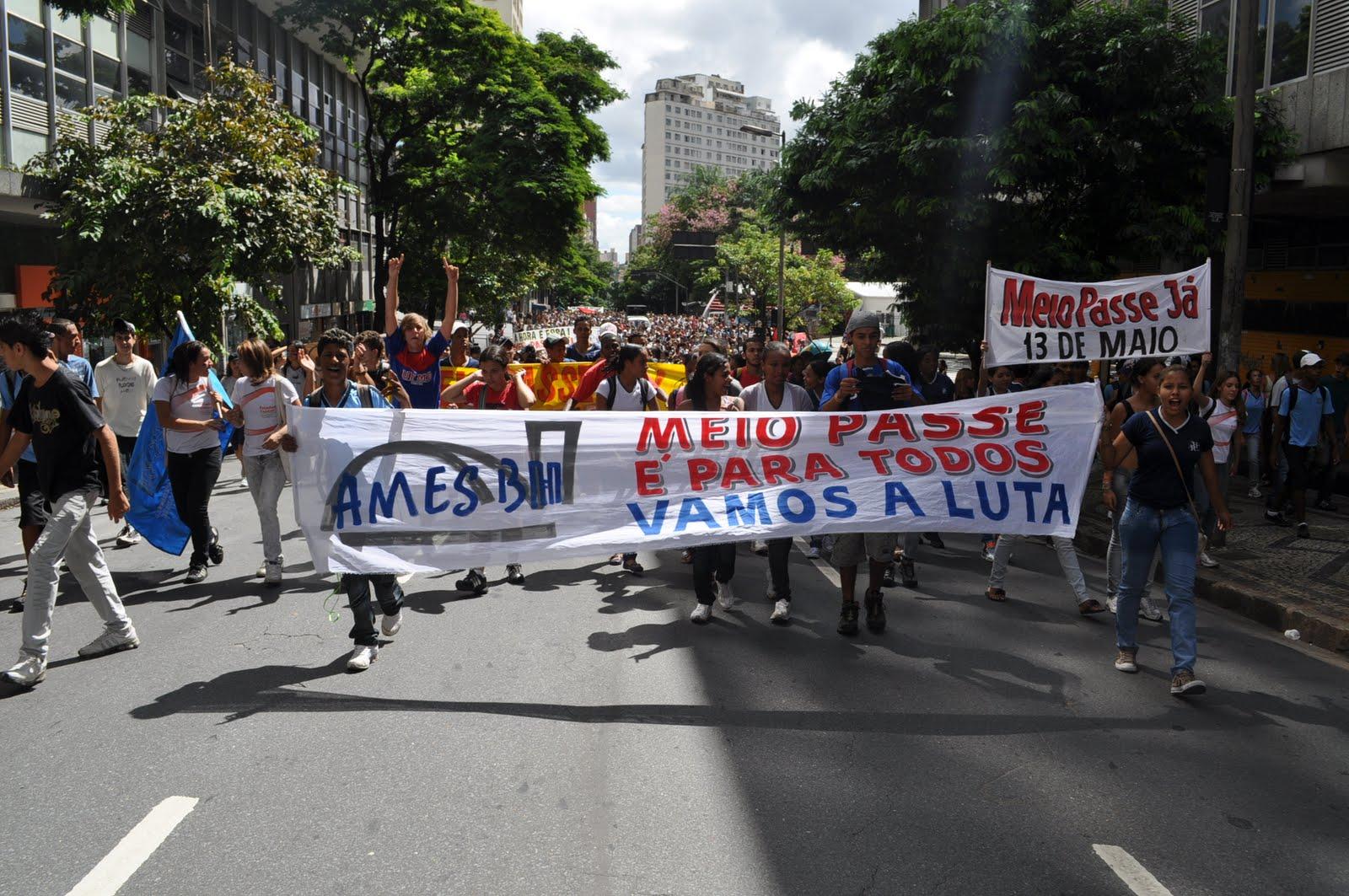 Manifestação de estudantes mineiros em 2010 (Foto: UBES/ Ames BH)