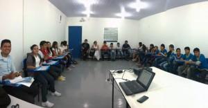 Através de projeto do UNICEF, adolescentes em Manaus realizam mapeamento digital dos seus bairros.