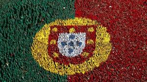 bandeira portugal pessoas