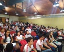 Projeto Papo Jovem estimula ciência entre estudantes do Acre