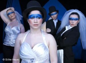 Ópera em Hamburgo atrai jovens com montagens curtas e figurino moderno