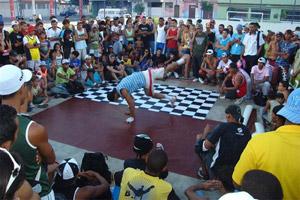 Batalha de hip hop reúne jovens em Teresina