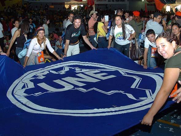 Caravana UNE Brasil+10 discute o futuro do país
